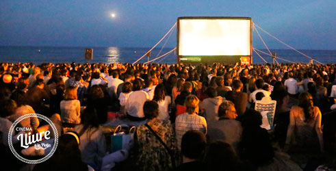 Free Cinema on the Beach by Gratis in Barcelona