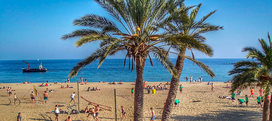 July in Barcelona by Gratis in Barcelona