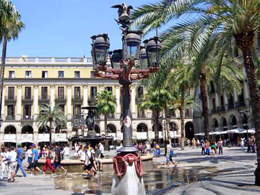 Ciutat Vella District by Gratis in Barcelona