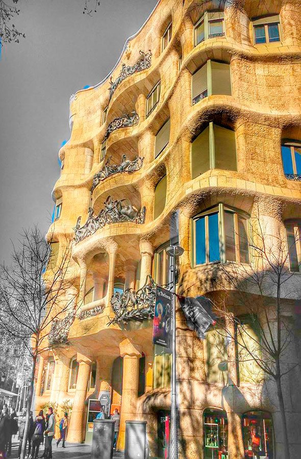 La Pedrera by Gratis in Barcelona